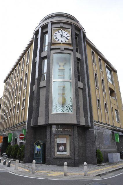 タウンスニーカー_時計博物館