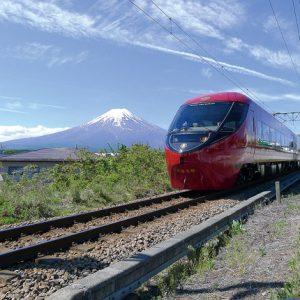 贅沢な旅路を愉しむ富士山特急・新車両「富士山ビュー特急」