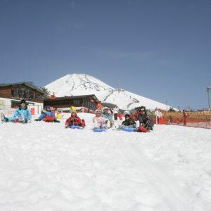 富士山麓のゲレンデで遊び尽くす