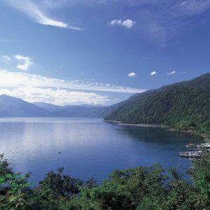 支笏湖に観光シーズン到来